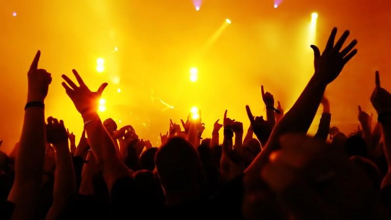 Som, luzes, ação! Como encontrar bons fornecedores para seu show