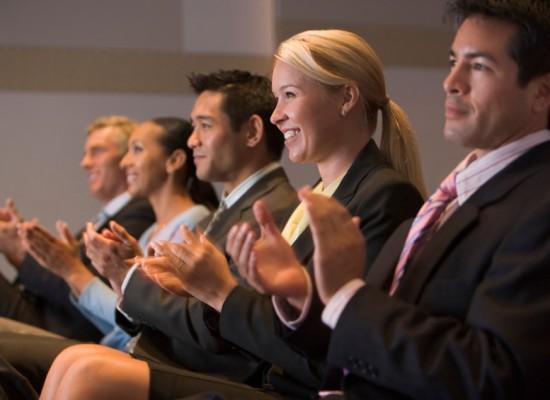 Como motivar a equipe da empresa a participar dos eventos corporativos